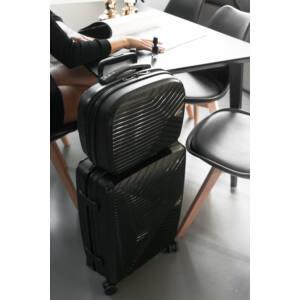 kabin bőrönd és piperetáska